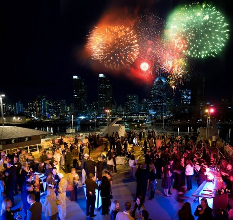 Summer Fireworks Dinner Cruises With Pops Concerts