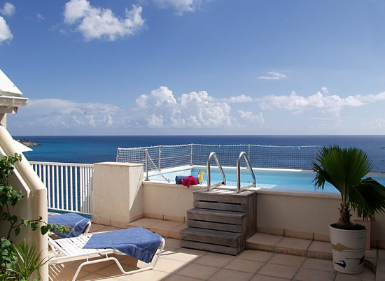 Sapphire Beach Club Resort: Penthouse Private Pool overlooking the Ocean