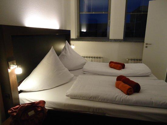 Hostel Köln: Cama quarto triplo