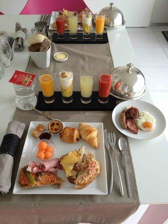 Maison Bousson Bed & Breakfast: le fameux petit-déjeuner