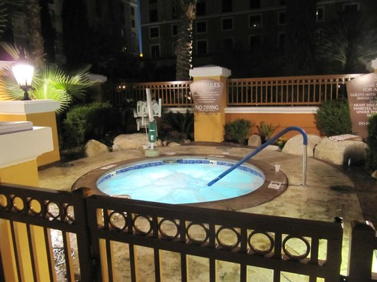 Wyndham Grand Desert: one of the spa pools lit up at night