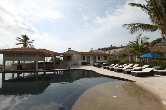 Sky Beach Club: Lounging by the pool