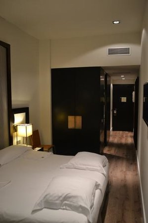 Hotel Pulitzer: other side of room