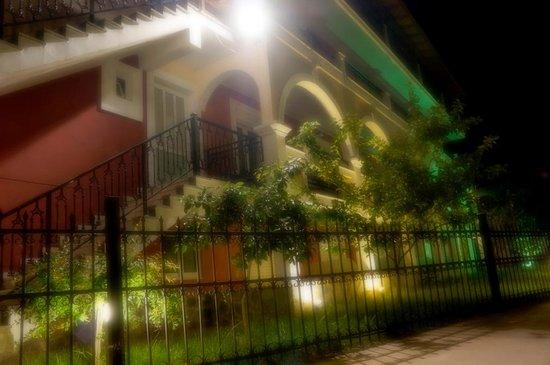 Majestic Spa Hotel: night view