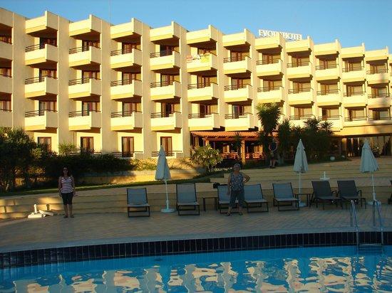 Evora Hotel: Próximo a piscina
