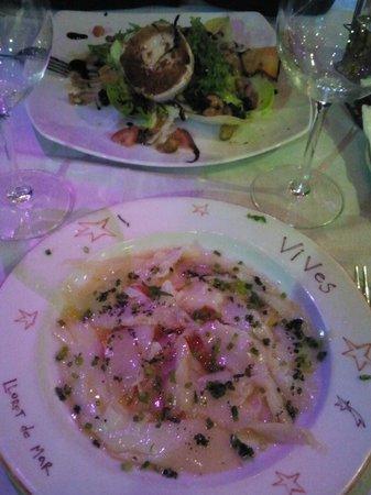 Restaurante Vives: Carpaccio bacalao y ensalada de queso cabra