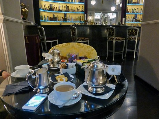 Bernini Palace Hotel: Afternoon tea in the bar