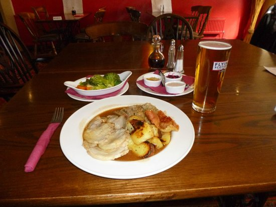Coach & Horses: Roast pork dinner