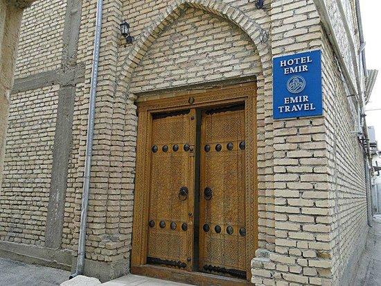 Emir Hotel: ...am Eingang.....