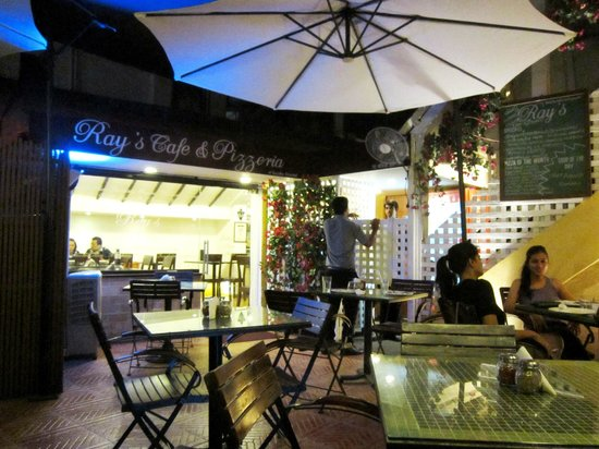 Ray's Cafe & Pizzeria: Ambience