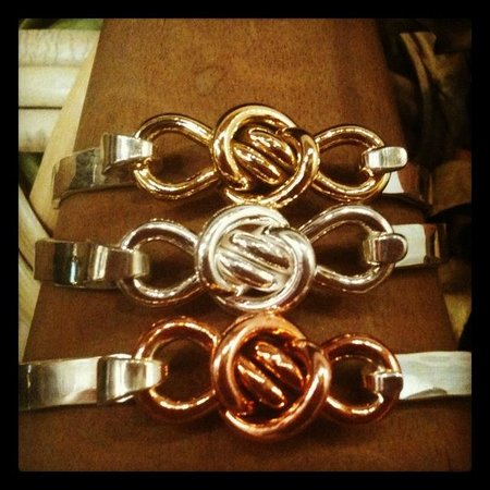 Crucian Gold : love knot latching bracelets in brass, silver and copper