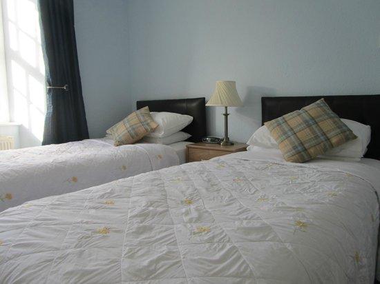 No.52 Bed & Breakfast: Ensuite Twin Bedroom