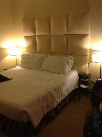 Cosmopolitan Concept Hotel: letto