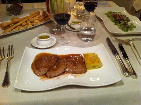 Taverna La Fenice : prato principal porção completa
