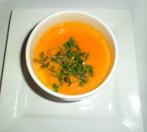 Wallett's Court Hotel Restaurant: Carrot & orange soup