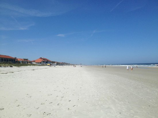 Ponte Vedra Inn & Club: The beach by the hotel and Surf Club