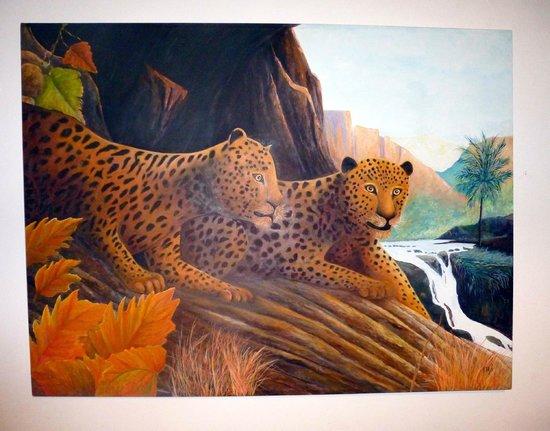 Chenandos Restaurant: leopard art