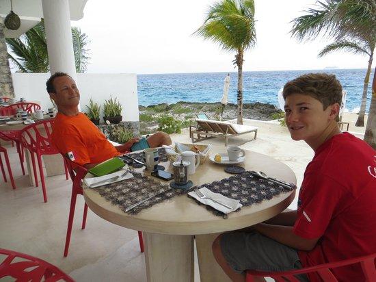 Hotel B Cozumel: Breakfast