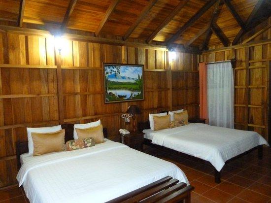 Hotel Lomas del Volcan: intérieur du lodge