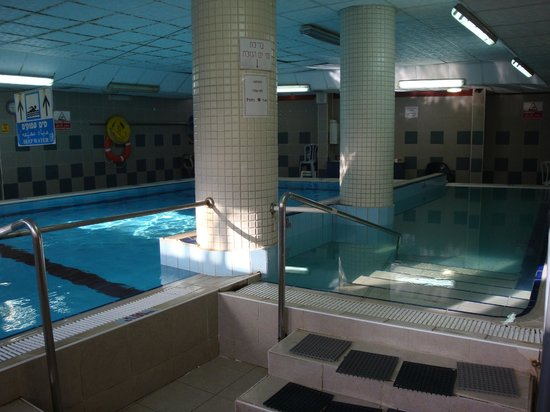 Inbar Hotel: The two pools in the spa area