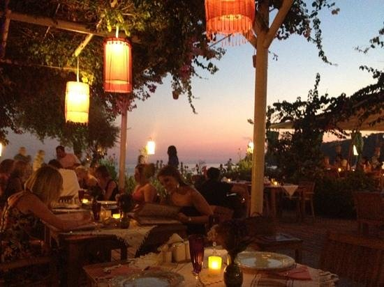 Oyster Residence Restaurant: beautiful sunset enjoying our meal x