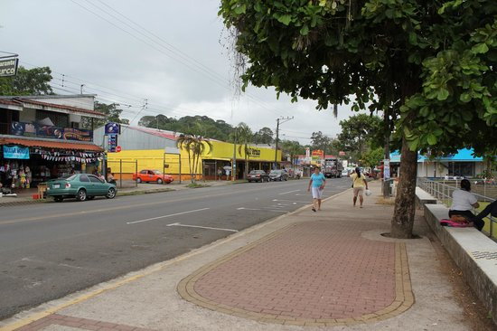 Hotel El Bambu: The Town of Sarapiqui