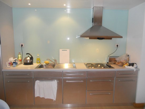 Marina Club Lagos Resort: Fully equipped kitchen