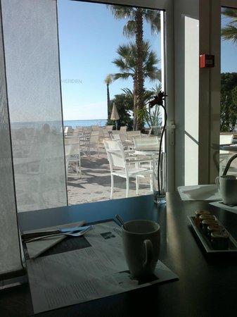 Le Meridien Beach Plaza: Veduta dal ristorante