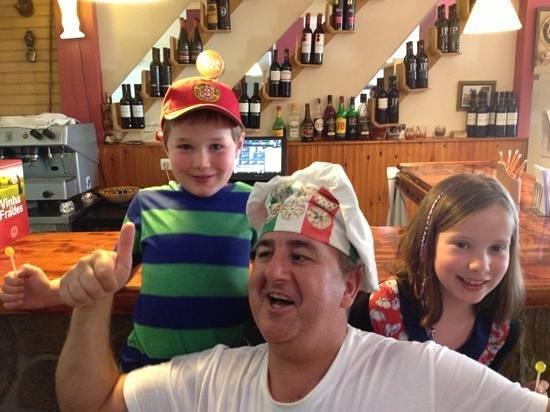 Pizzolino: three happy people