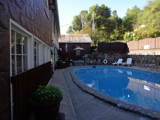Gunn House Hotel: Pool