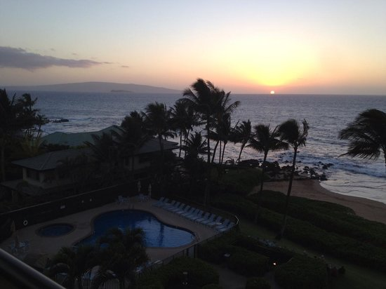 Polo Beach Club: Sunset from #602