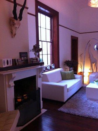 Cape Diem Lodge: social living room