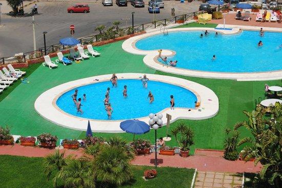 Isola Delle Femmine, Italia: due delle quattro piscine