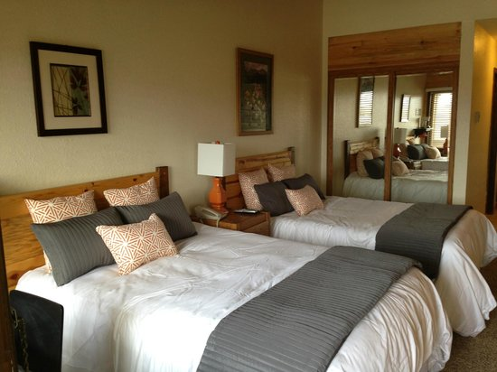 Inn at Silver Creek : attached bedroom