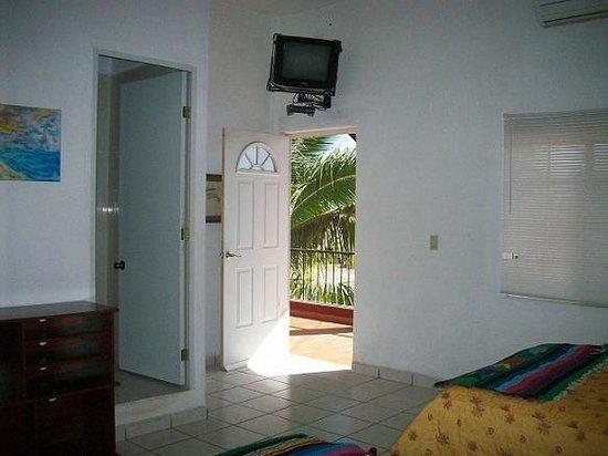 Hotel El Conchalito : Room #1 lookin out. Shows TV DISH, A/C, Bathroom