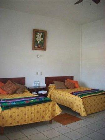 Hotel El Conchalito : Rooms # 1, 2, 6, 7 Double doubles, sleep 2-4