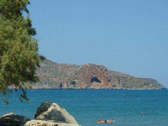 بورتو بالاتانياس بيتش ريزورت آند سبا: View of the beach and Island just off the coast from the Hotel