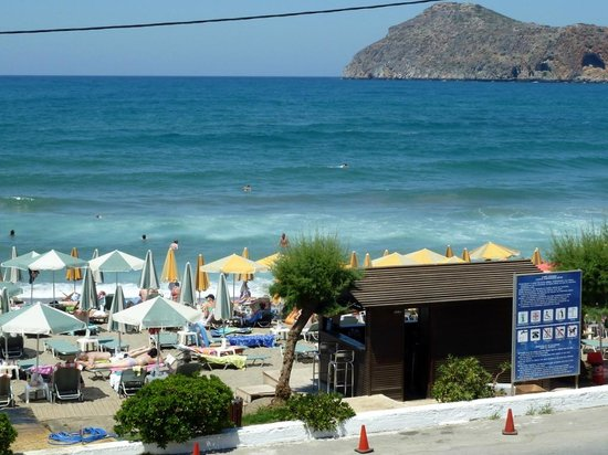 Porto Platanias Beach Resort & Spa: The hotel beach area