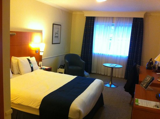 Holiday Inn Guildford: Roomy