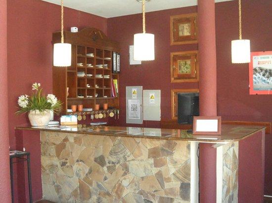 Hotel Del Pilar: Recepción