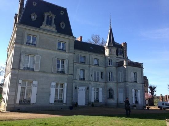 Chateau de la Puisaye: face au potager