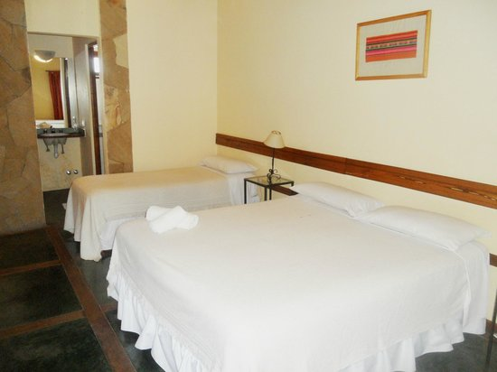 Hotel Del Pilar: hab cuadruple