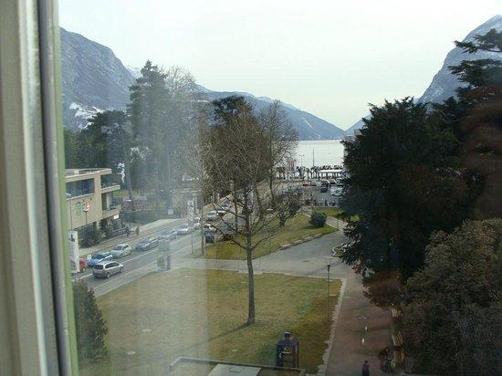 Hotel Pestalozzi Lugano: Vista do Quarto