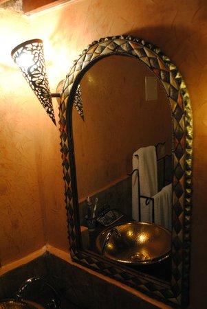 Riad La Cle de Fes: salle de douche Bab Ftouh