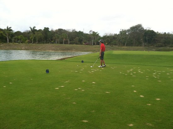 Grand Coral Golf Riviera Maya: Grand Coral 5th Hole - Blue Tees - My Nephew!!!