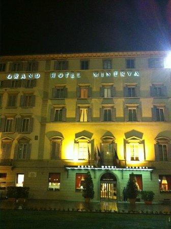 Grand Hotel Minerva: Hotel Front
