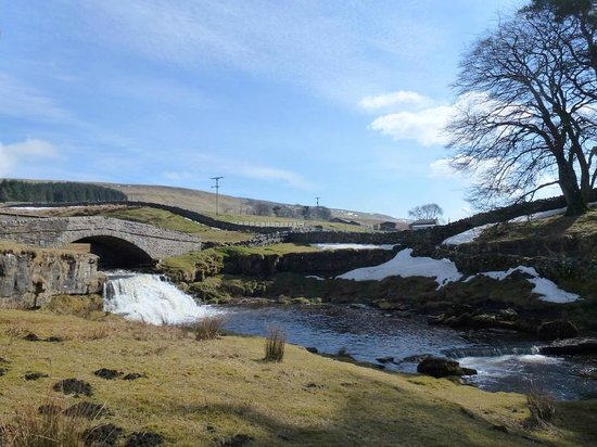 The Garsdale: The lovely waterfall that can be seen from the rear window