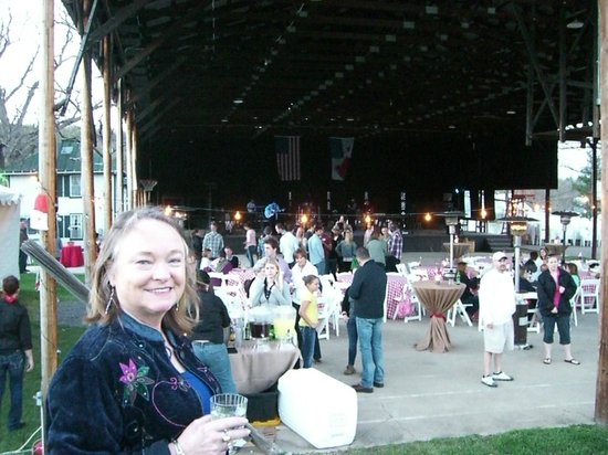 Shrine Mont Retreat and Conference Center : BBQ & barn dance