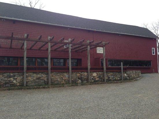 Jones Family Farm: Entrance to Tasting Room