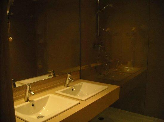 Hotel Medium Prisma: Bagno - doccia